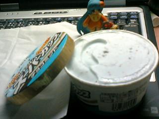 スーパーカップのチョコミントアイス(*´∀`*)