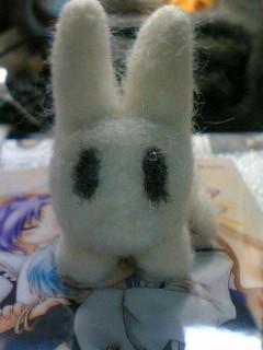 イナバっぽいモノ。目…*羊毛フェルト