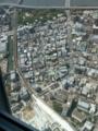 眼下に旧業平橋駅と東武鉄道の列車を