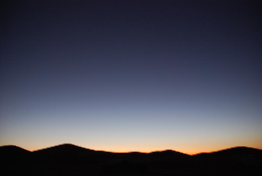 夜へ突入する砂漠 夜へ突入する砂漠  個別「夜へ突入する砂漠」の写真、画像、動画