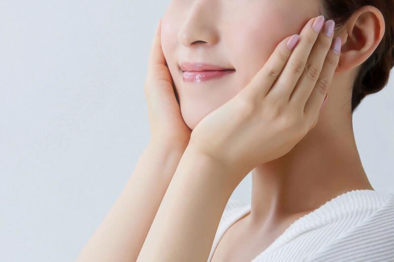 毛穴の黒ずみや角栓を取り除く方法は洗顔・保湿・日焼け止めの肌ケアが重要
