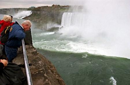滝 事故 の ナイアガラ