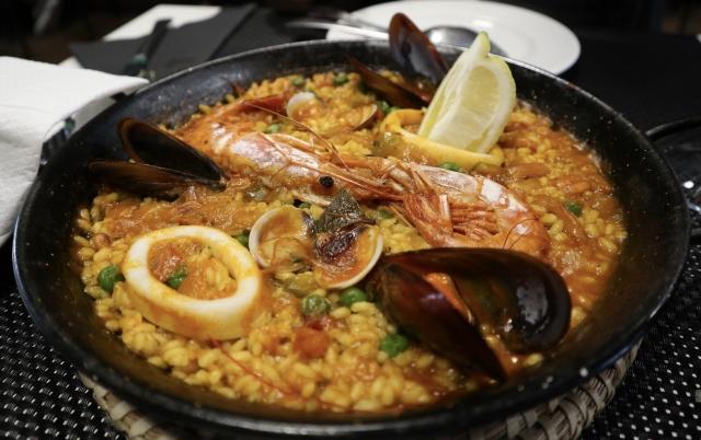 本場スペイン料理・魚介のパエリア