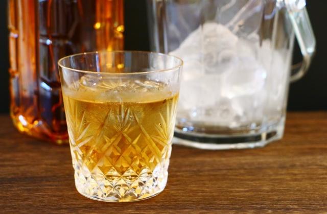 ウイスキー ロックグラス