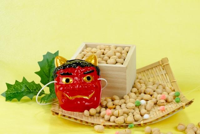 節分:鬼のお面と福豆
