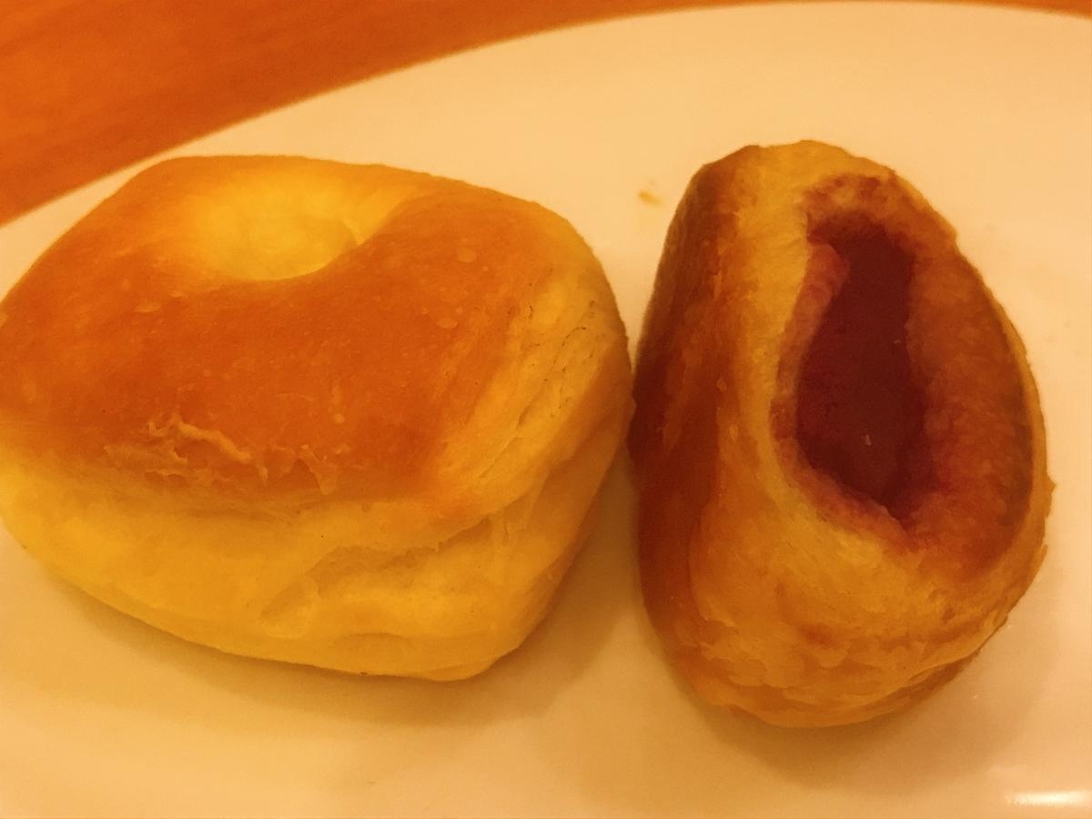 クリームチーズパンと紫いもパン