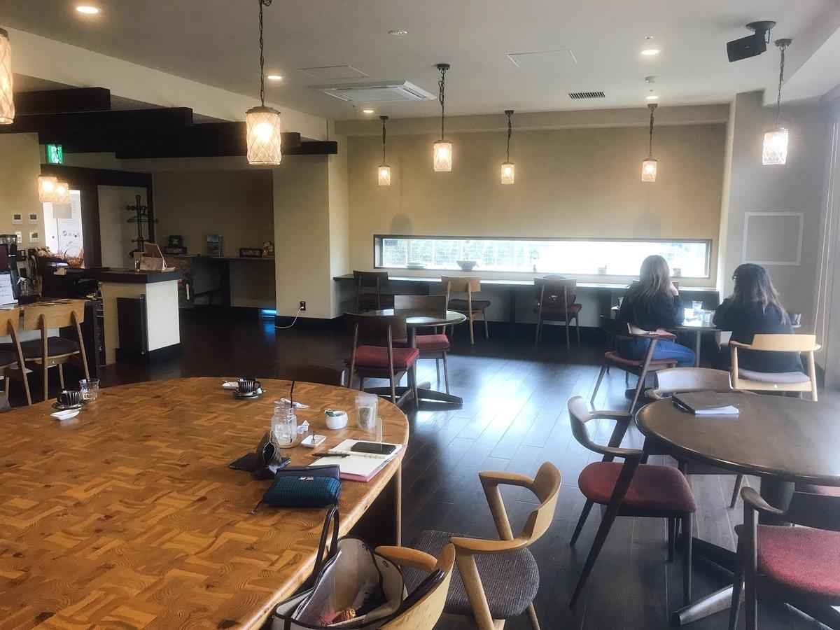 「カフェ澪の街」の店内