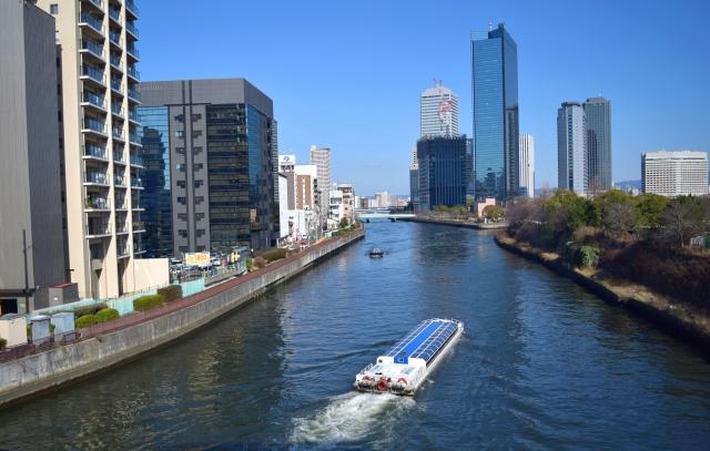 大坂橋とビル群