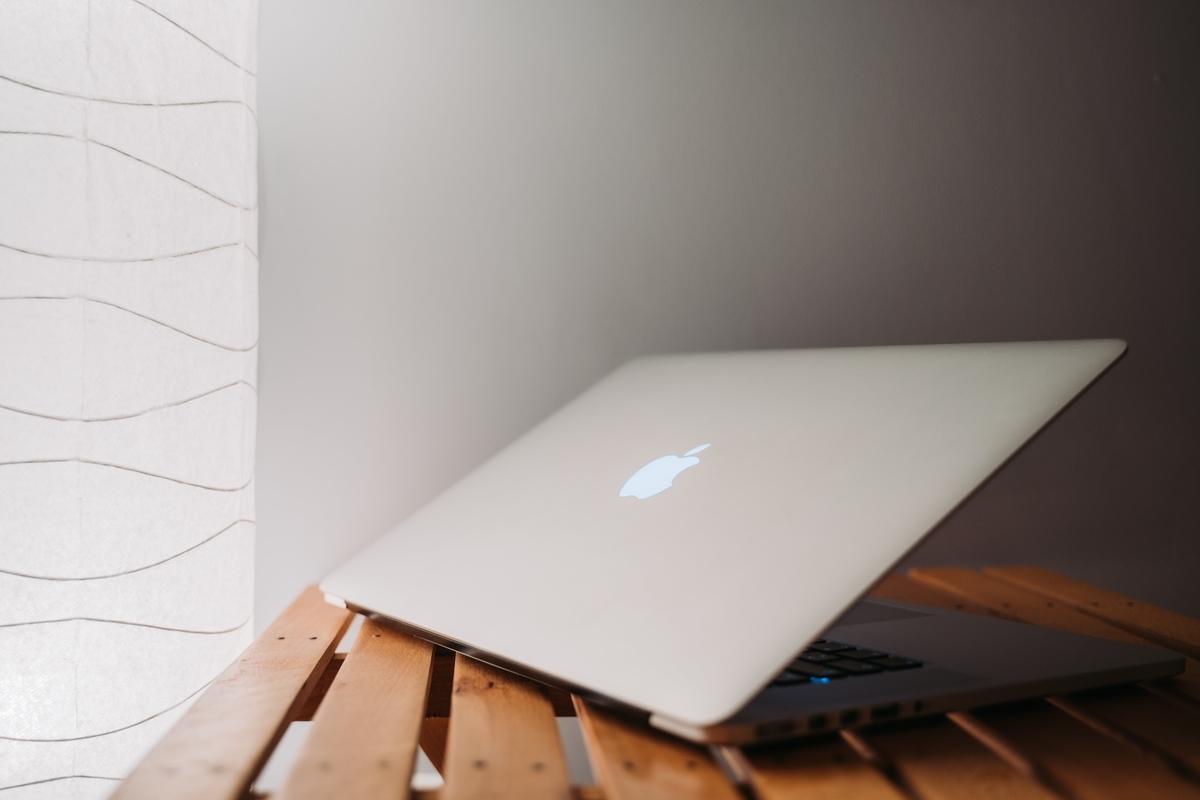 はじめてのMacBook Pro 16インチのオススメ初期装備【デザイン用PC】