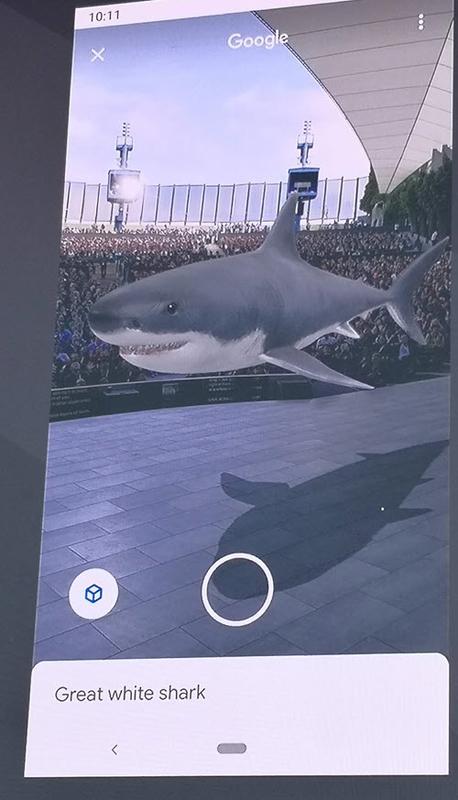 検索結果で見つけたサメを 3D でキーノートのステージに AR を使って表示