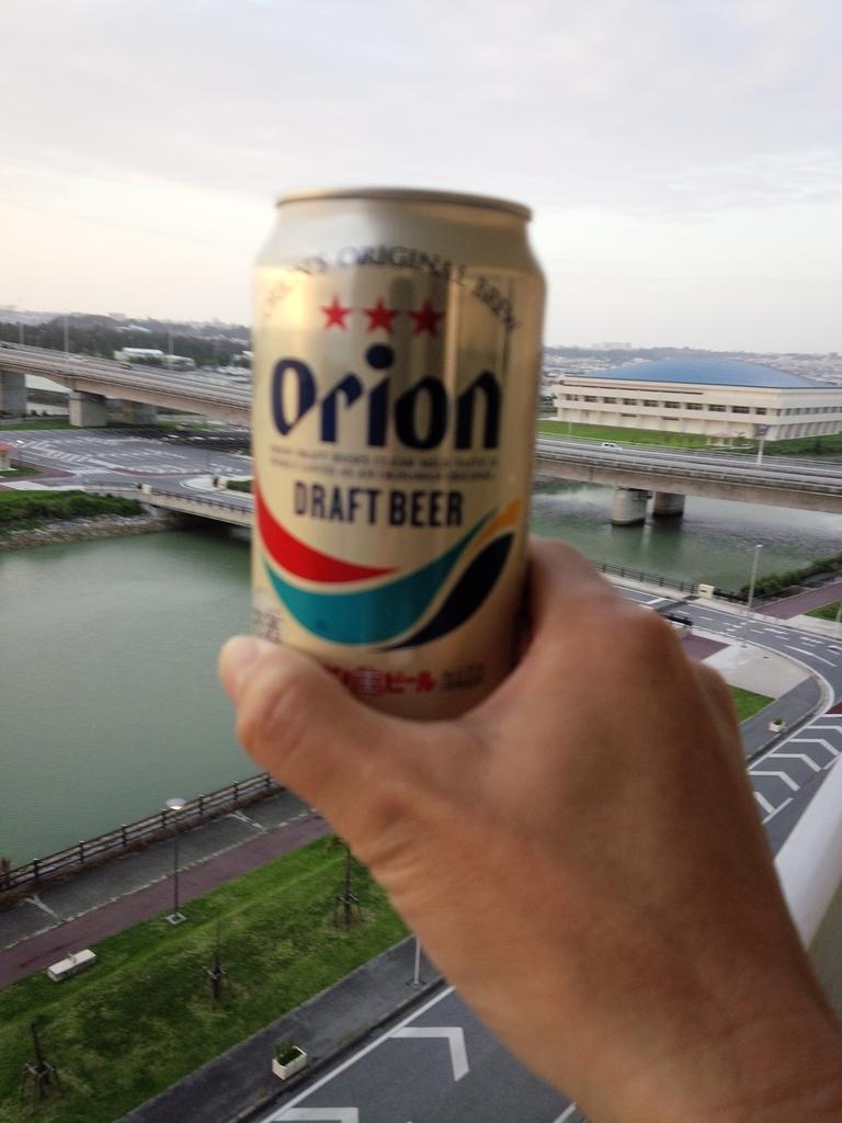 風呂上がりに海を眺めながらのオリオンビールは最高!