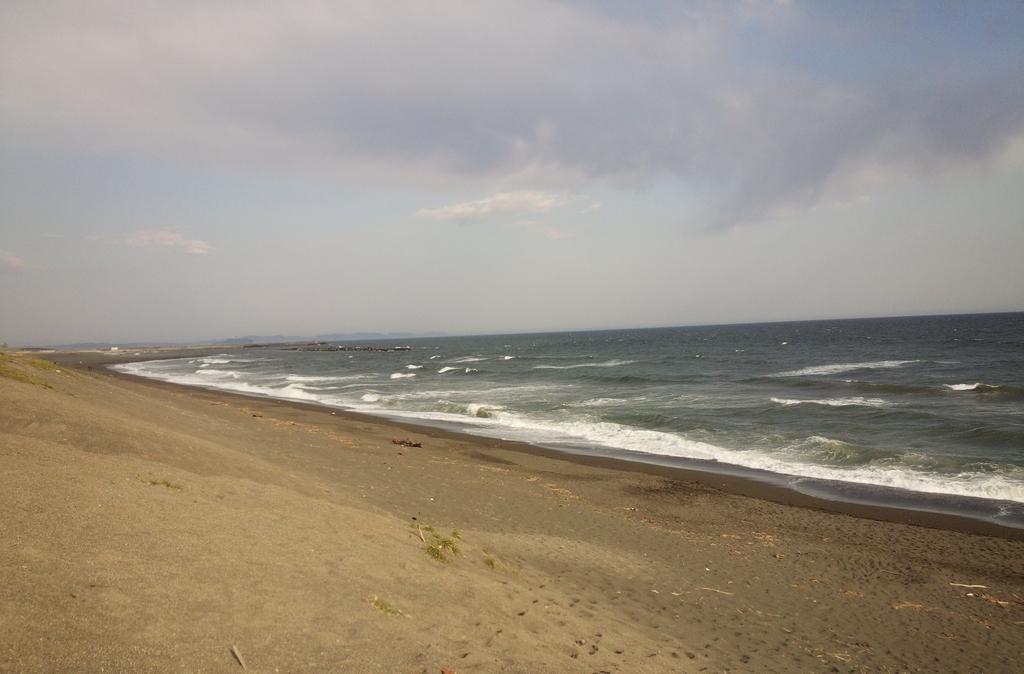 茅ヶ崎の海はサザンの切ない曲が似合います