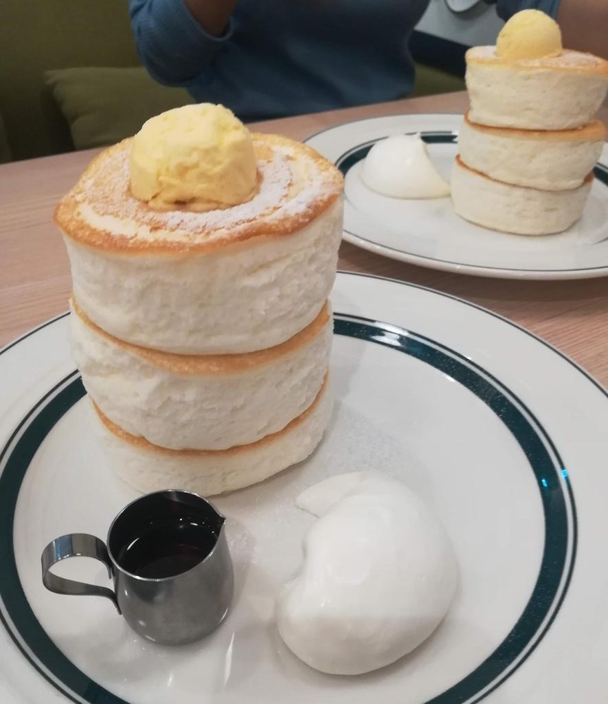 cafe & pancake gramのプレミアムパンケーキはふわっふわ