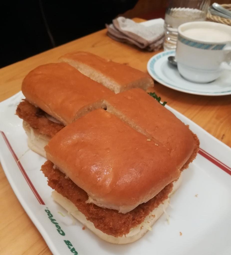 コメダ珈琲店のカツパンはボリューム満点で食べ応えばっちり!
