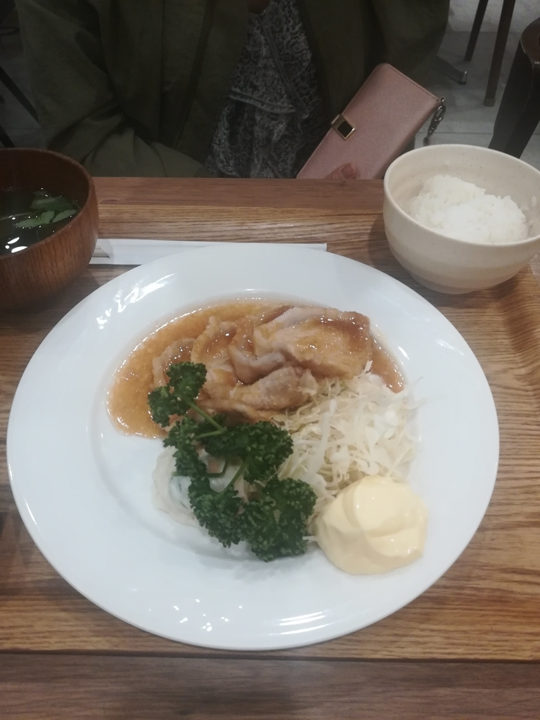 羽田食堂の三元豚の生姜焼き定食は香ばしくておいしい!