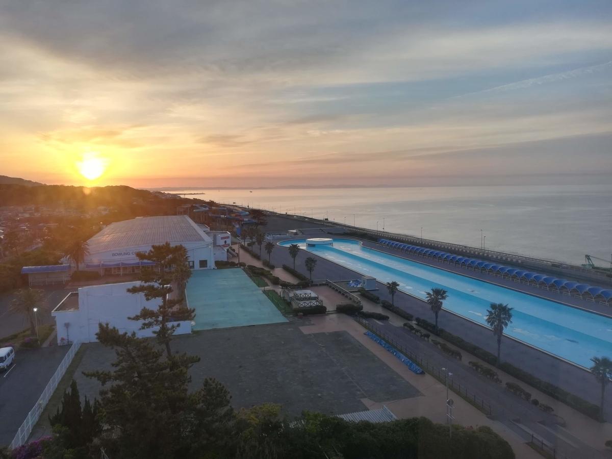 朝焼けの海の景色もまた格別ですよ!