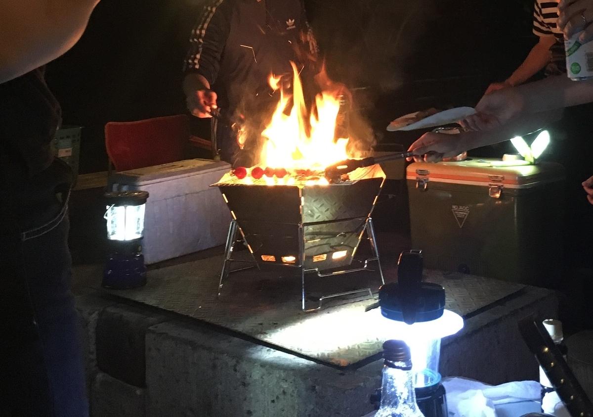 焚き火台があれば自然と会話も弾みますよ