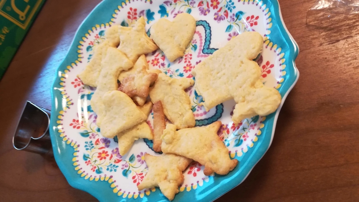 紆余曲折の末、やっとクッキーが完成しました!