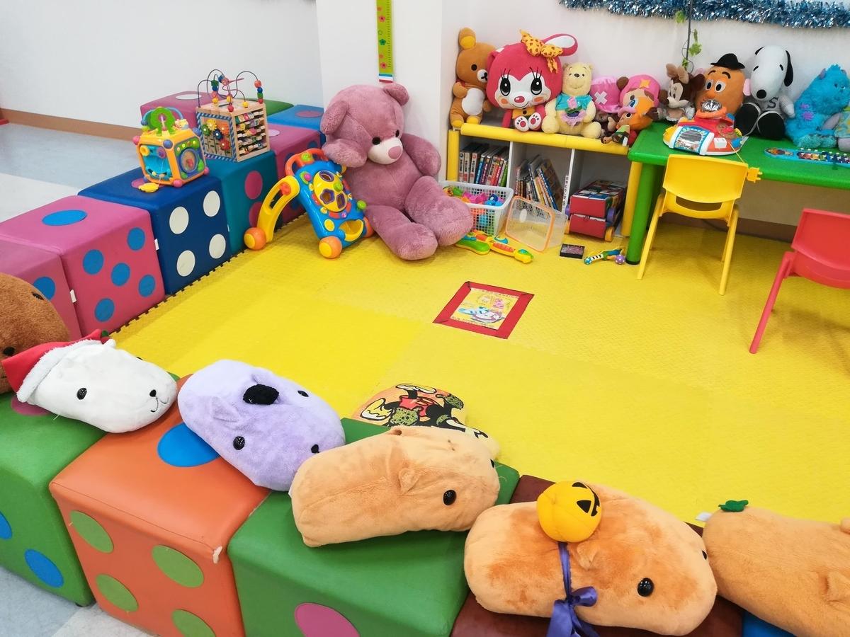ちいさい子どもが遊べるマットスペース
