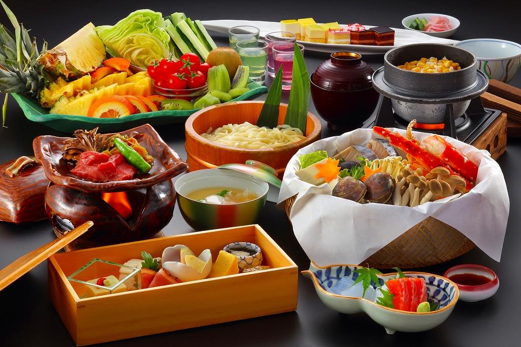 タラバ蟹・地鶏等の山海鍋と牛ロース一口陶板焼