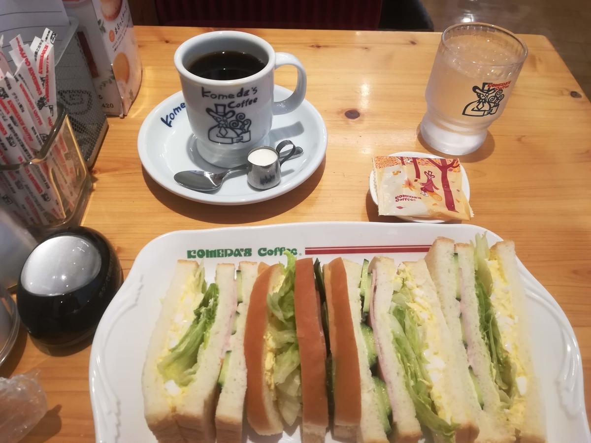 コメダのミックスサンドは一番人気のサンドイッチ