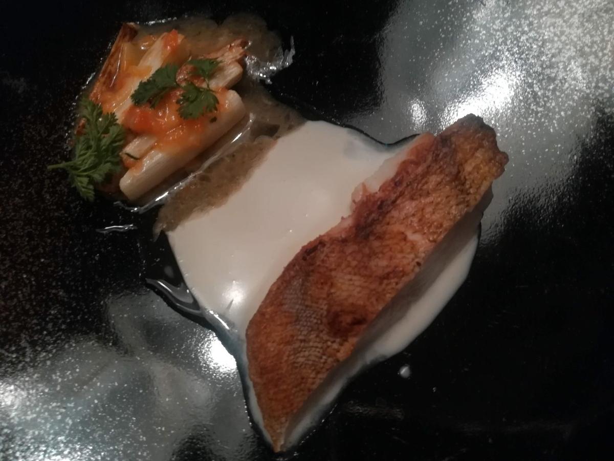 アイナメのロースト  まこも筍のソテーと桜海老 バターシェリーソース