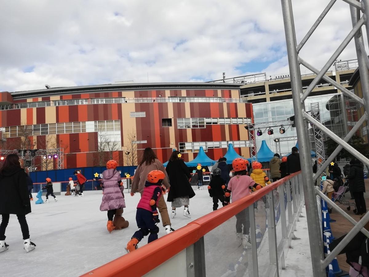 ららぽーと豊洲でアイススケートにチャレンジ!