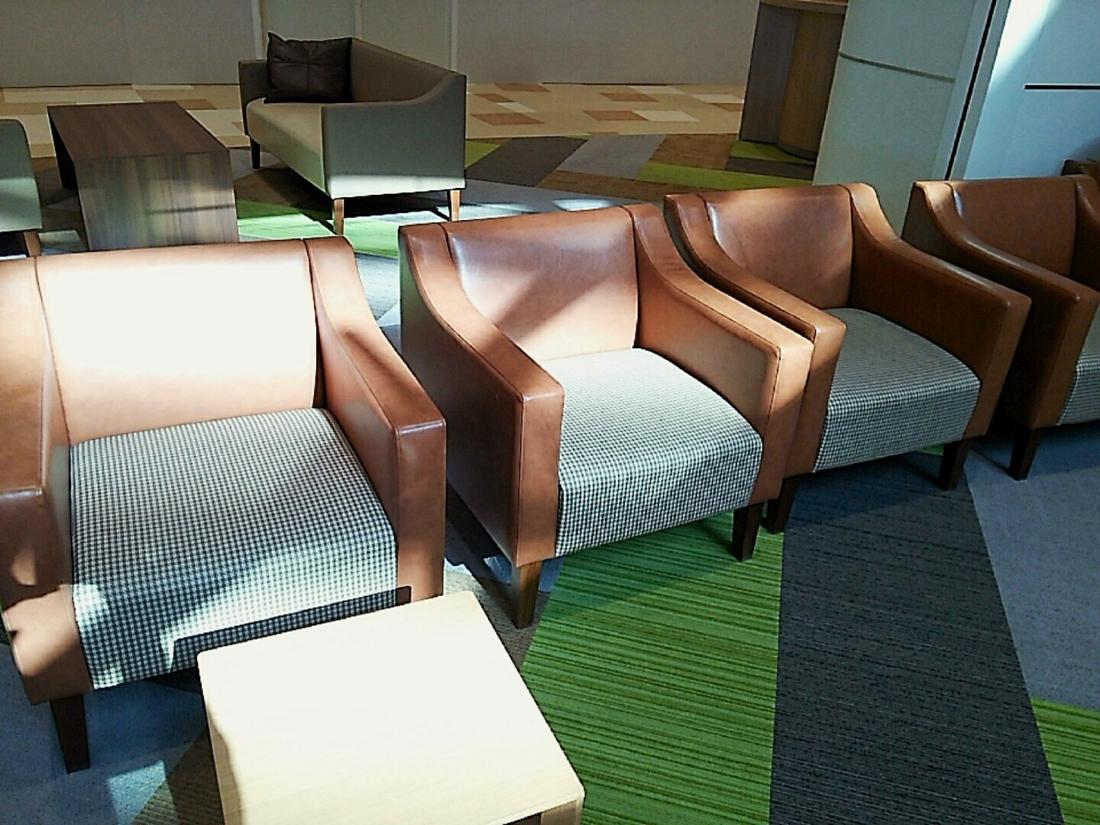 休憩椅子はWiFi完備