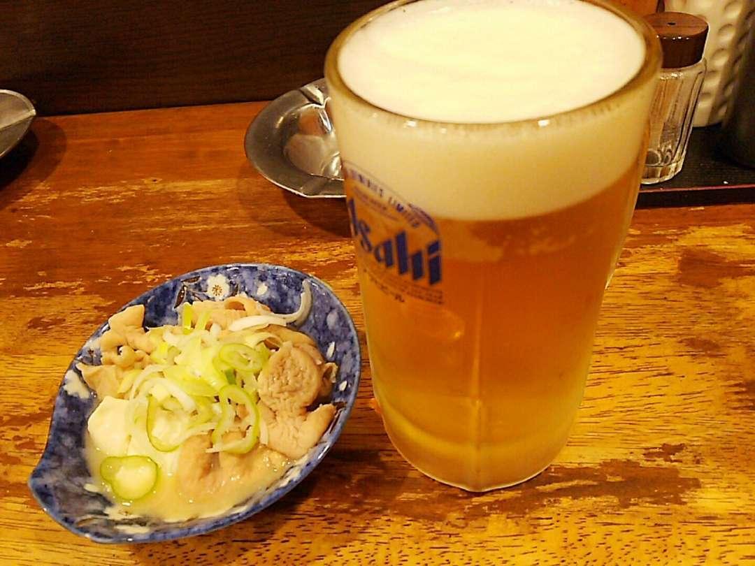 生ビールともつ煮込み