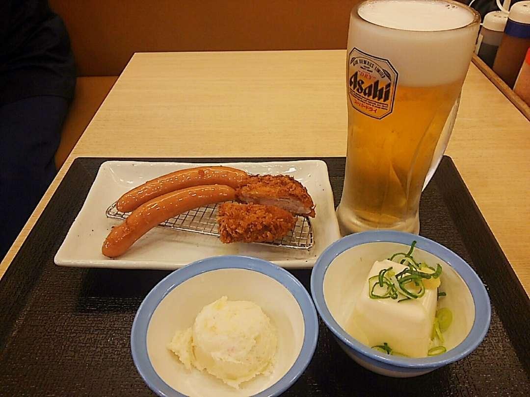 ヒレカツ・ソーセージ・生ビールセット