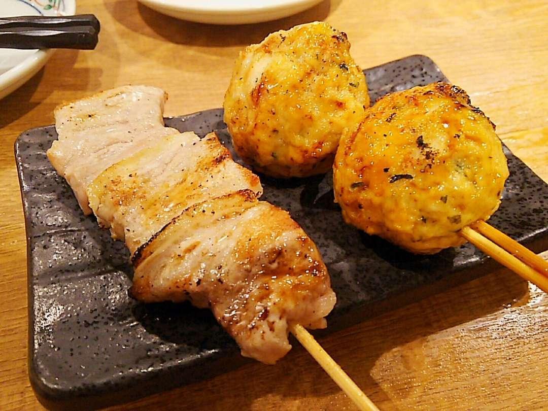豚バラ串と鶏つくね