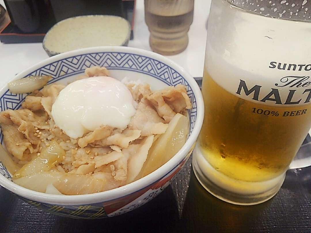 豚丼とビール