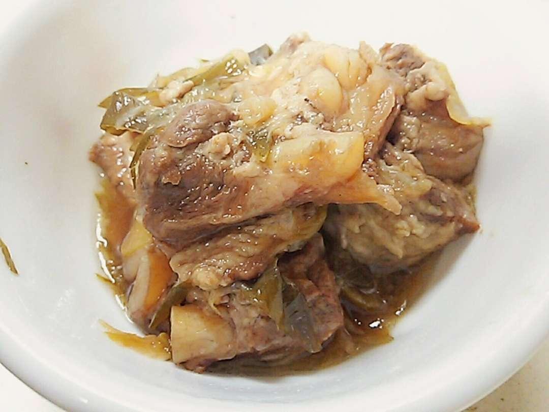 豚バラ軟骨の醤油煮込み