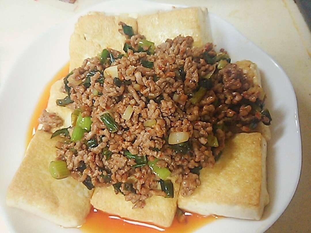 塩豆腐のステーキピリ辛ひき肉味噌かけ