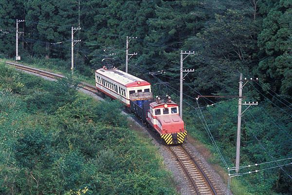 040918本線走行中のED301