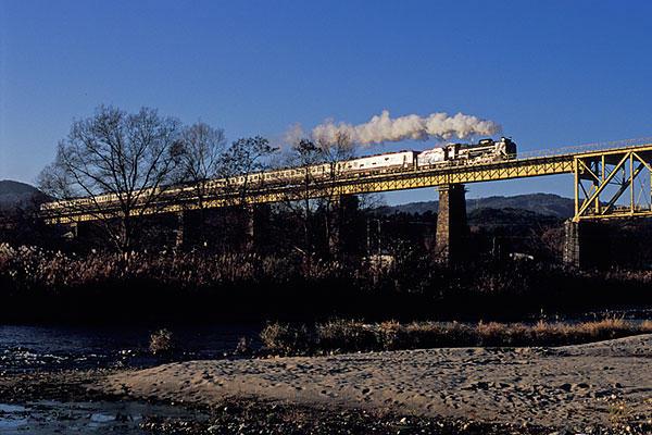 061125山都鉄橋のD51ばんえつ物語号