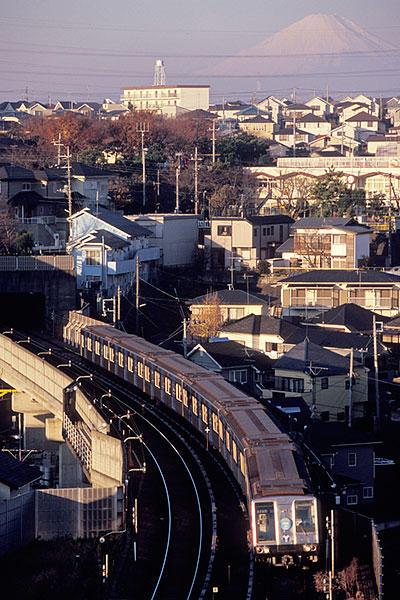 061213横浜市営1141Fと富士