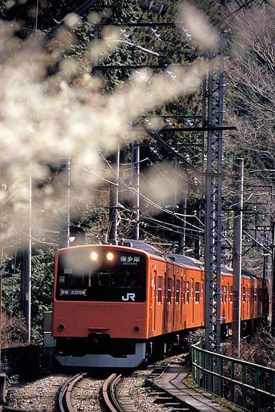 070311川井駅に進入する201系