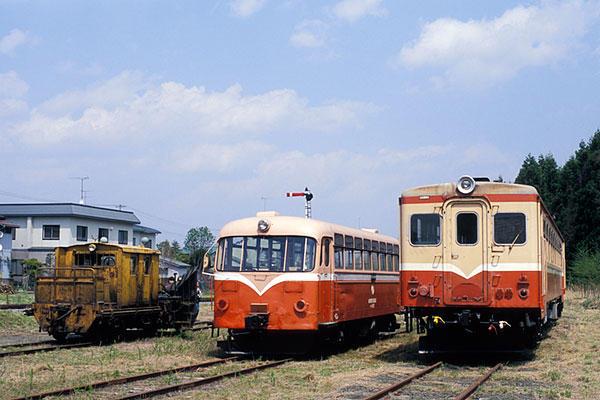 070503南部縦貫DB10、レールバス、キハ14