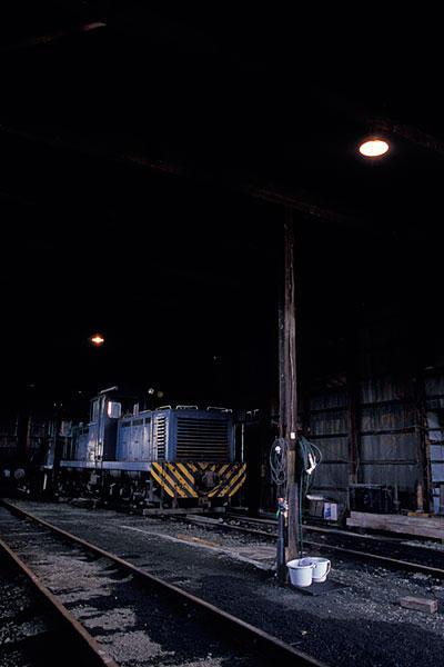 070503南部縦貫鉄道機関庫内部