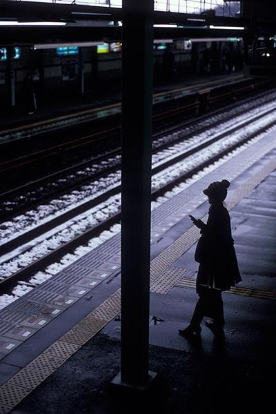 080203雪の鶴ヶ峰駅にて