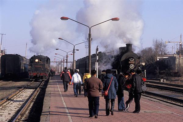 080212犬と一緒に列車へ