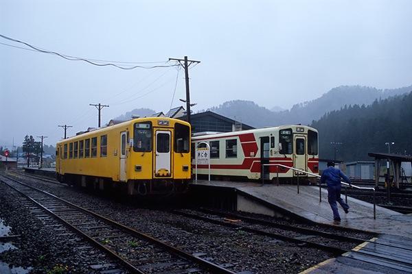 080427雨の阿仁合駅