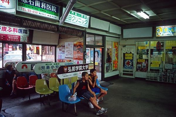 080802中央弘前駅待合室