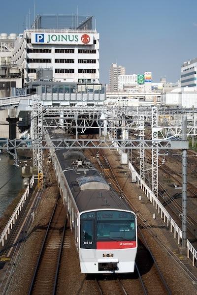 081004 相鉄横浜駅出発を正面から