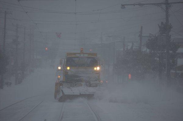 081227 函館市電除雪車