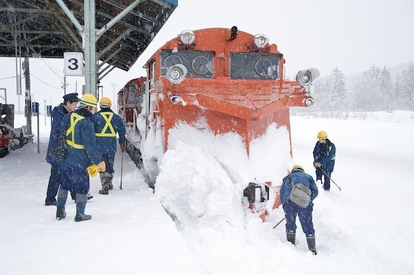 081231 音威子府に到着した排雪列車