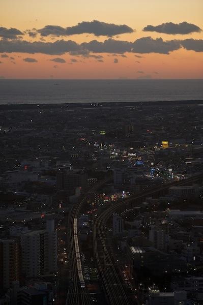 090112 アクトタワーから見る夕景と新幹線