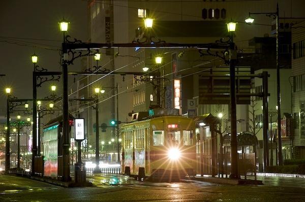 090322 新川の夜、3203号