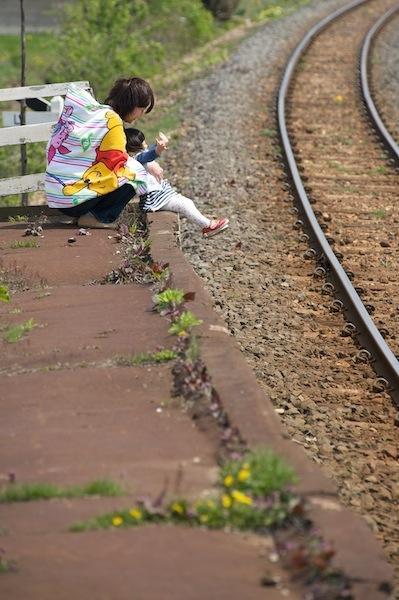 090430 十川駅のホーム端にて